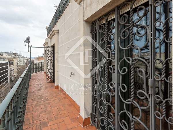 192m² Apartment with 30m² terrace for sale in Eixample Right