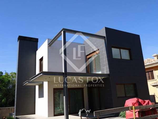 Luxury villa with pool for sale in La Eliana, Valencia