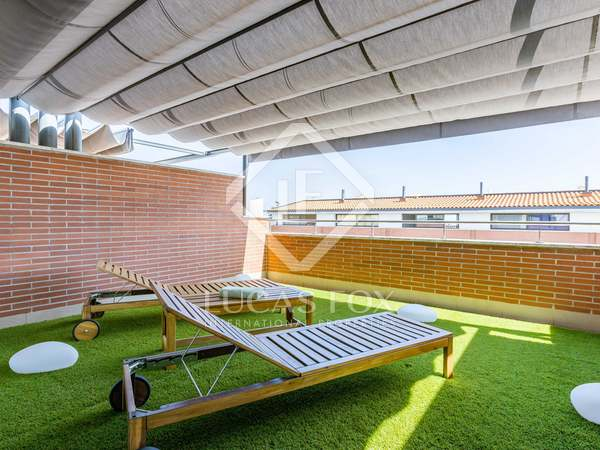 Huis / Villa van 256m² te koop met 30m² Tuin in Sant Andreu de Llavaneres