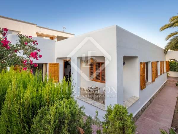 Huis / Villa van 160m² te koop in Ibiza Town, Ibiza