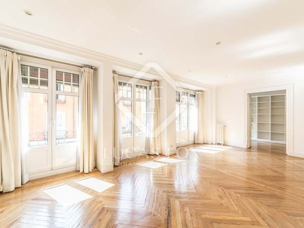 Appartement van 160m² te huur in Embajadores, Madrid