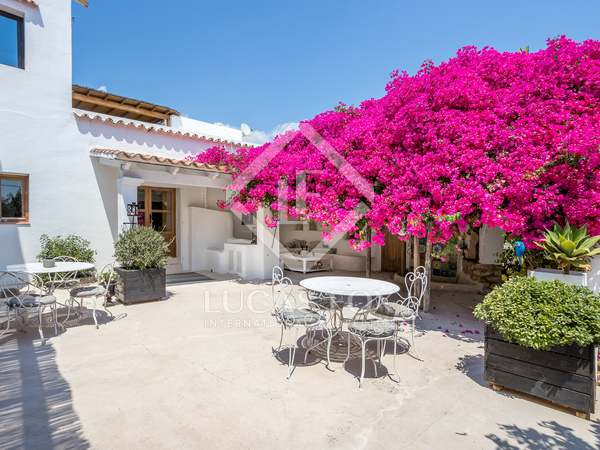 611m² Haus / Villa zum Verkauf in San Antonio, Ibiza