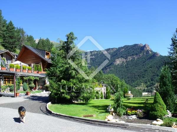 Domaine rural absolument splendide à vendre à Vallnord, en Andorre.