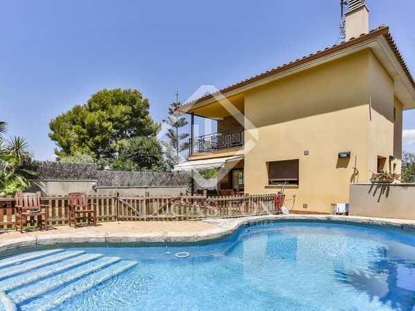 Villa de 247m² con jardín en venta en Vilanova i la Geltrú