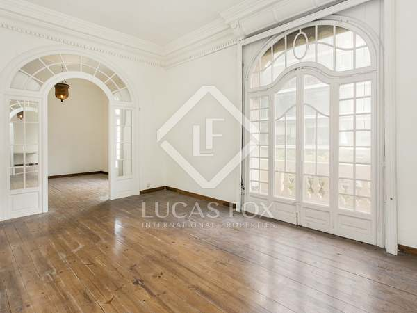 279 m² apartment with terrace for sale in Sant Gervasi