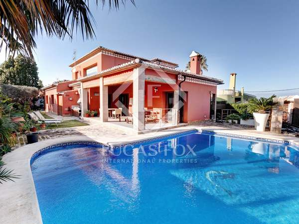 House with sea views for sale in Montgo, Denia