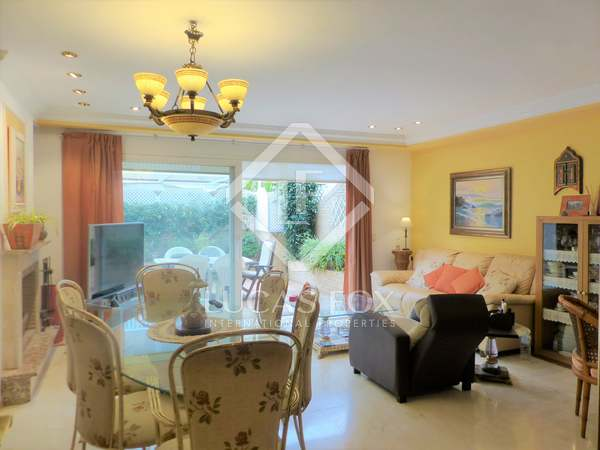263m² Villa witha  terrace for sale in Patacona
