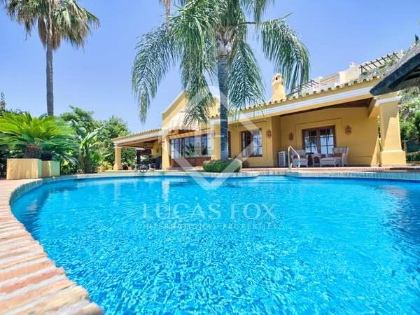 Huis / Villa van 322m² te koop met 100m² terras in Benahavís