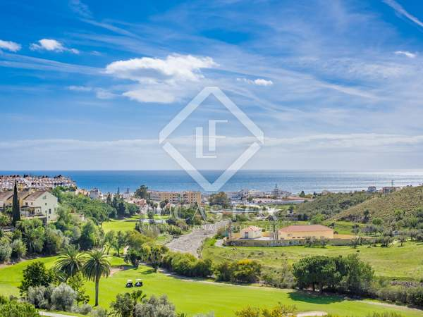 256m² Golf property for sale in Axarquia, Málaga