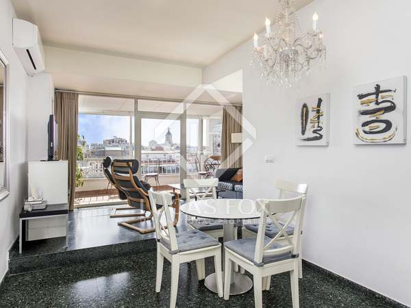 64m² penthouse with 15m² terrace for sale in Eixample Right
