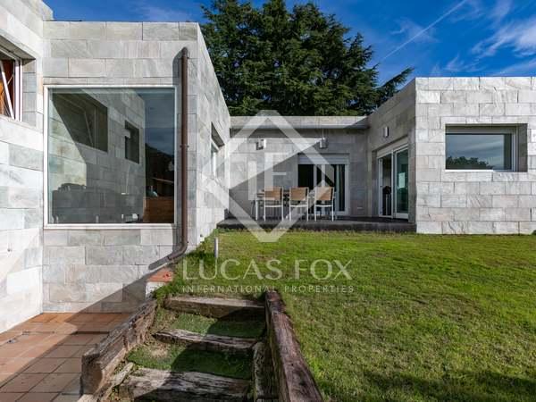 Huis / Villa van 200m² te koop in Alella, Maresme