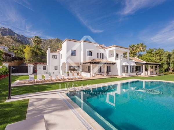 1,243m² House / Villa with 2,250m² garden for sale in Golden Mile