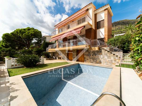 385m² House / Villa for sale in Bellamar, Barcelona