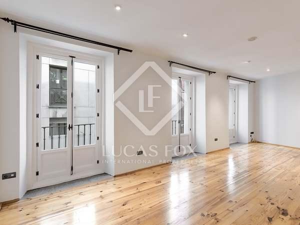 138m² Apartment for sale in Cortes / Huertas, Madrid