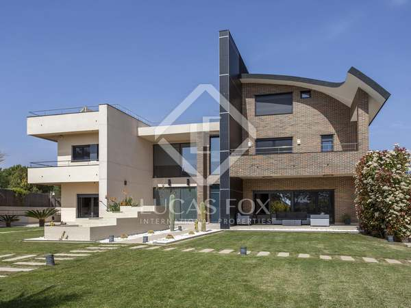 1,123m² House / Villa for sale in Bétera, Valencia