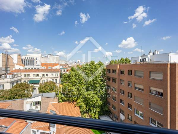 154m² Apartment for sale in Almagro, Madrid