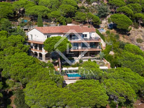 681m² House / Villa for sale in Cabrils, Barcelona