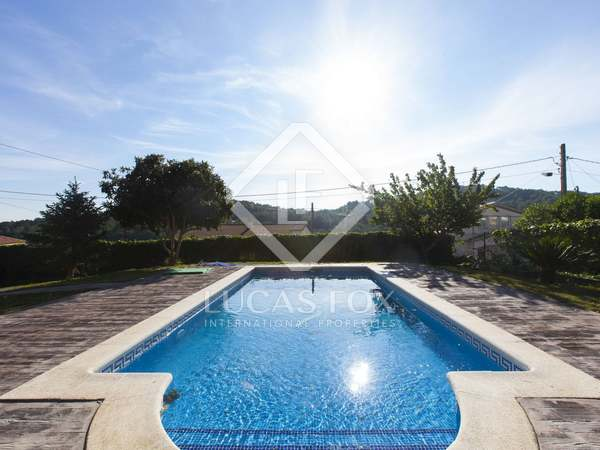 Family home on large plot for sale in Olivella
