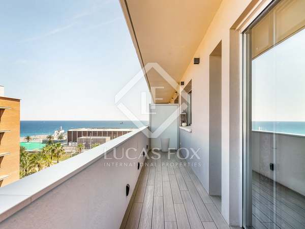 101 m² penthouse with 18 m² terrace for sale in Poblenou