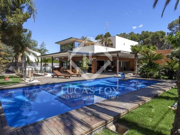 Вилла на продажу в Валенсии - элитная недвижимость в Испании