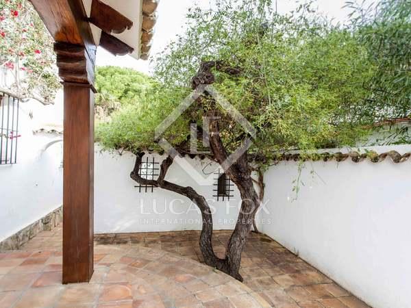 381m² Haus / Villa mit 70m² terrasse zur Miete in Dénia