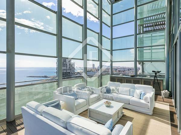 141 m² penthouse with 85 m² terrace for sale in Diagonal Mar