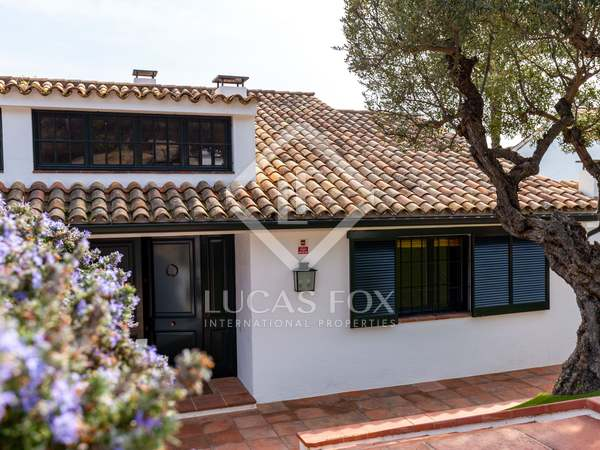 317m² House / Villa with 200m² garden for sale in Sant Vicenç de Montalt