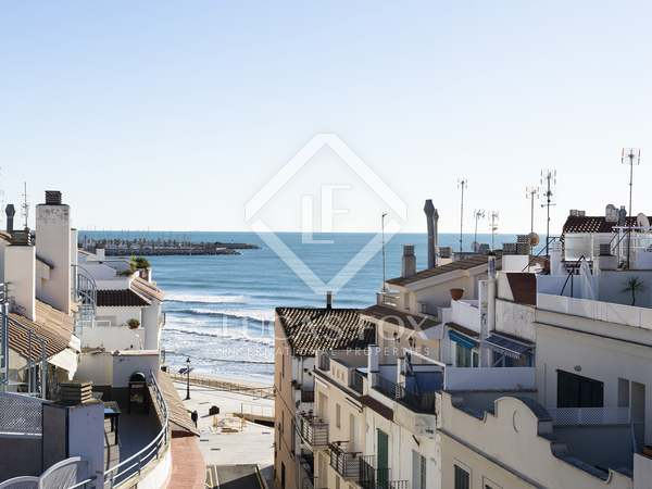 60 m² penthouse with terraces for sale in Sitges Town