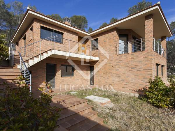 Modern 5-bedroom house for sale in Olivella, Sitges