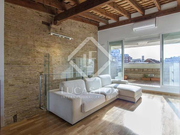 150m² Penthouse with 15m² terrace for rent in Sant Francesc