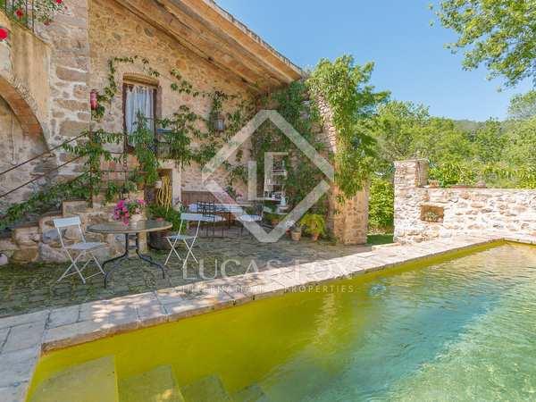 Amplia casa rural en venta en el Alt Empordà