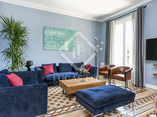 138m² Apartment with 12m² terrace for rent in Eixample Right
