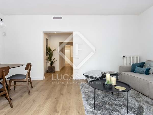 96m² apartment with 20m² terrace for sale in Eixample Right
