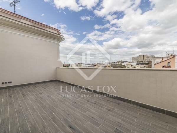 273m² Takvåning med 35m² terrass till salu i Castellana