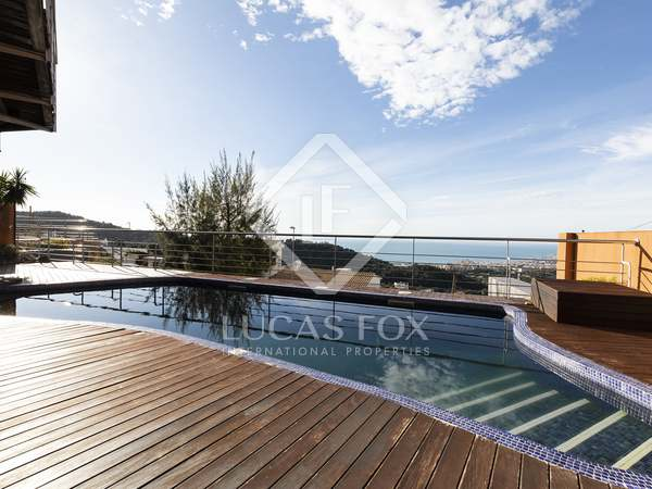 355m² House / Villa for sale in Levantina, Barcelona