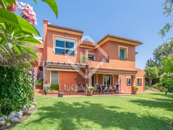 Huis / Villa van 420m² te koop in East Málaga, Malaga