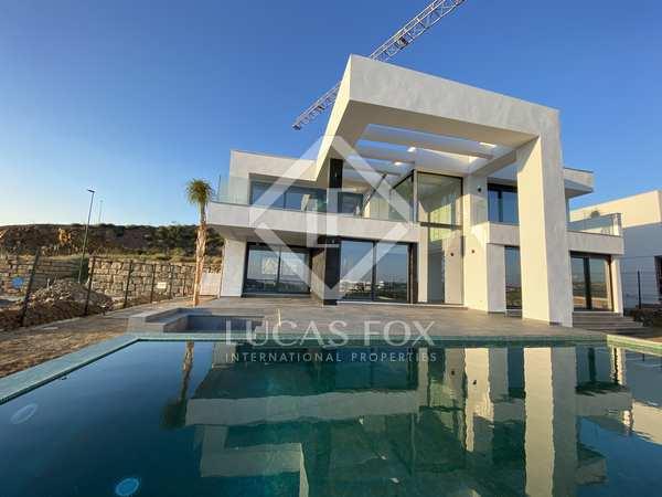 Casa / Villa de 397m² con 31m² terraza en venta en Málaga Este