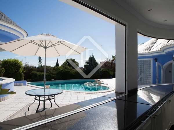 Дом / Вилла 823m² на продажу в Los Monasterios, Валенсия