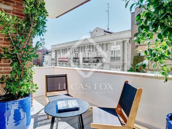 250m² Apartment with 15m² terrace for sale in Almagro