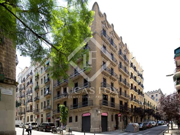 Beautifully renovated apartment for sale in Poble Sec, Barcelona