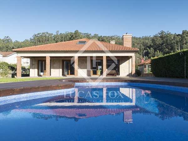 Huis / Villa van 587m² te koop in Pontevedra, Galicia