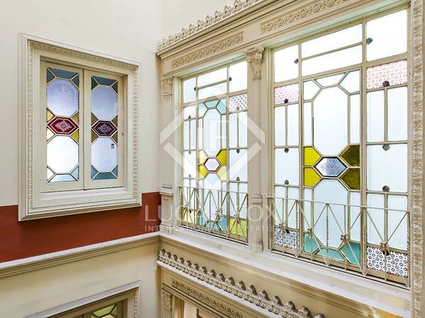 103m² penthouse with 65m² terrace for sale in Eixample Right
