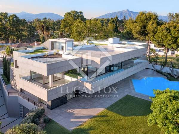 1,204m² House / Villa with 2,127m² garden for sale in San Pedro de Alcántara / Guadalmina