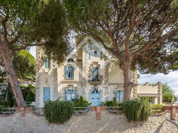 344m² House / Villa for sale in Tiana, Barcelona