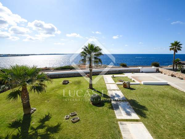 616m² House / Villa with 76m² terrace for sale in Ciudadela