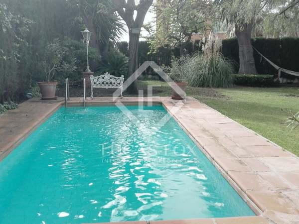 Casa de 304 m² con 39 m² de terraza en venta en Málaga Este