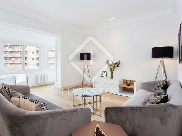 Apartamento de 4 dormitorios en venta en calle Balmes