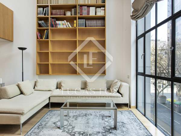 100m² Apartment for rent in Eixample Right, Barcelona