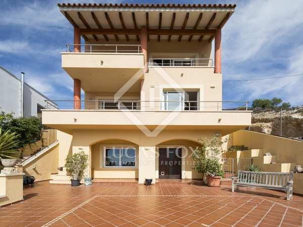 Villa de 358m² en venta en Quint Mar, Sitges
