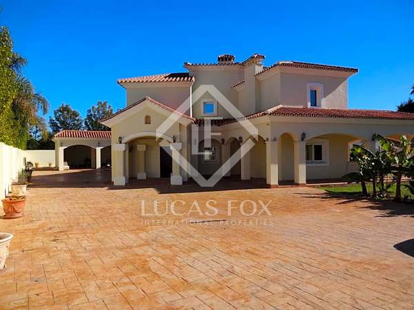 625m² House / Villa with 1,741m² garden for sale in San Pedro de Alcántara / Guadalmina